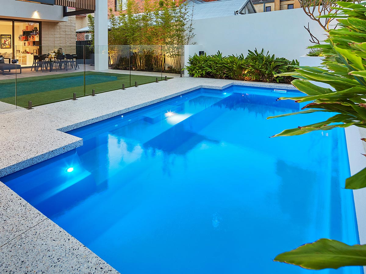 Venice Slimline Pool 4-1