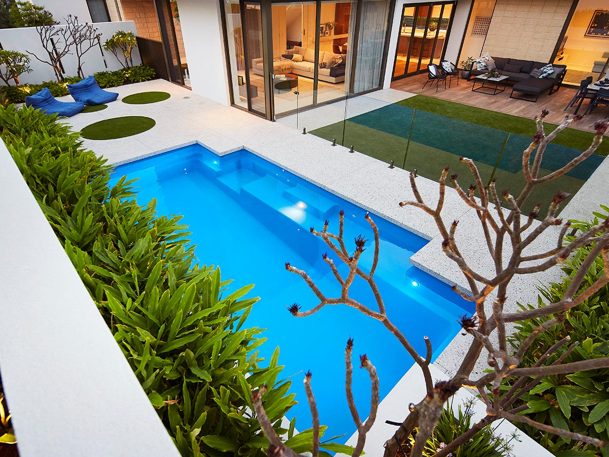 Venice Slimline Pool 5-1